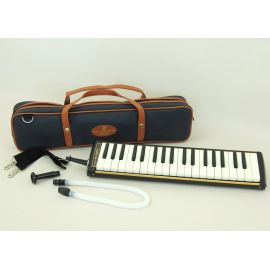 SUZUKI PRO-37v2 Гармоника духовая клавишная/37 клавиш/в кейсе/Suzuki